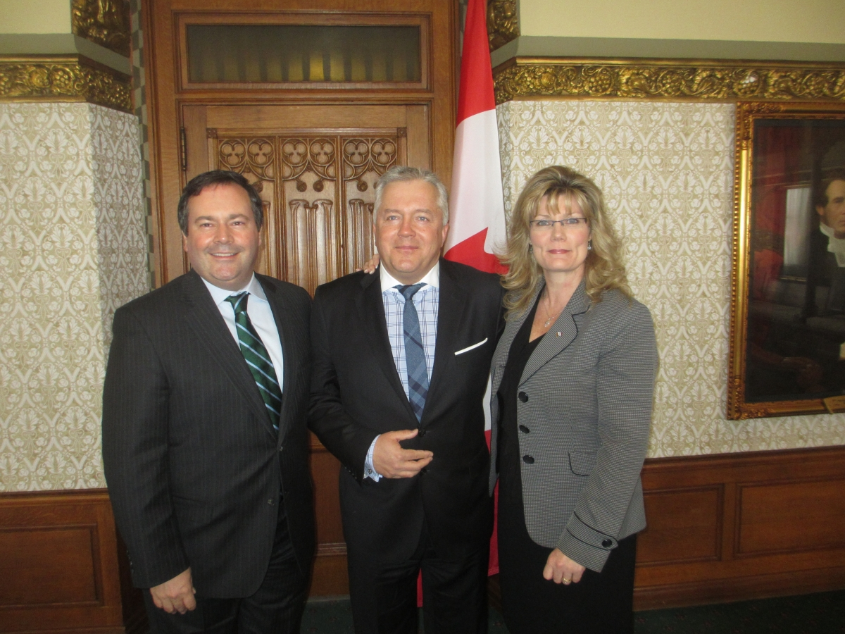 TTL Chairman, Ludwik Klimkowski with Hon. Shelly Glover,  Minster of Canadian Heritage and Official Languages and Minister Kenney